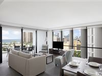 2 Bedroom Spa Apartment - Mantra Circle on Cavill Surfers Paradise